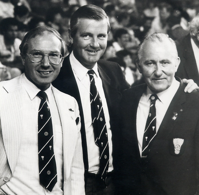 Poul erik nielsen (l) with craig reedie and stellan mohlin at the 1985 calgary world championships