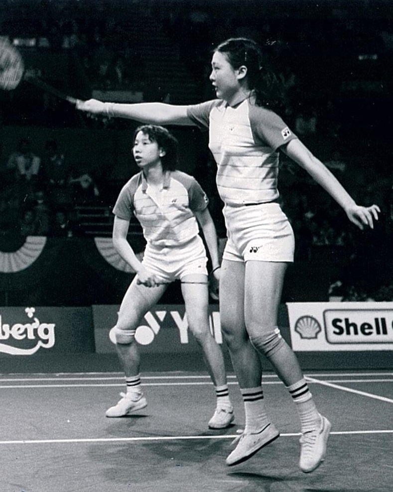 Han aiping (l) + li lingwei at 1985 all england - pic by louis ross