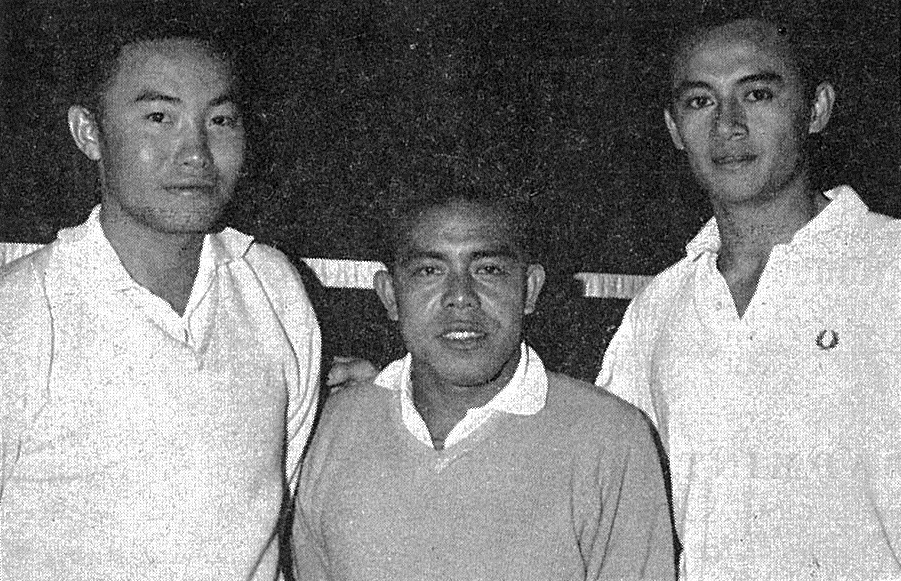 Seeded malayans ng boon bee flanked by tan yee khan (l) + ng seow meng (r) - all england 1965 - bg mar 1965 - photo by g.w. edwards